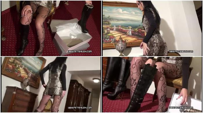 Fitting Italian boots