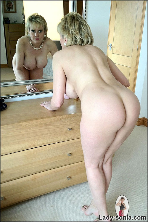 Lady sonia nude