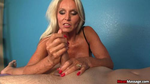 Amateur muscle girl orgasms whilst masturbating pov 5