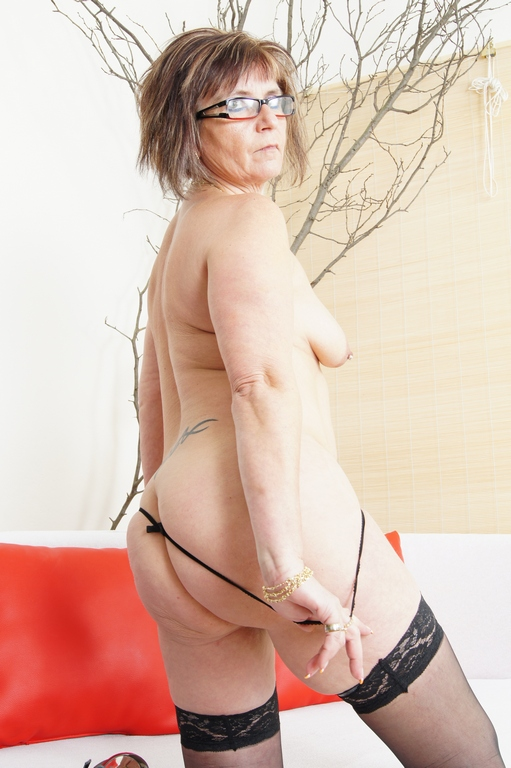 Jana is a hot and horny old granny - Mature, MILFs