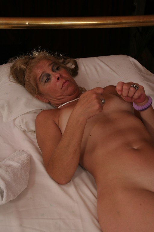 Carla is a funky old granny - Mature, MILFs