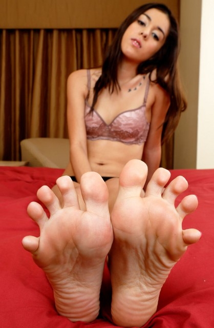 Meet Kristina Bell - Foot Fetish