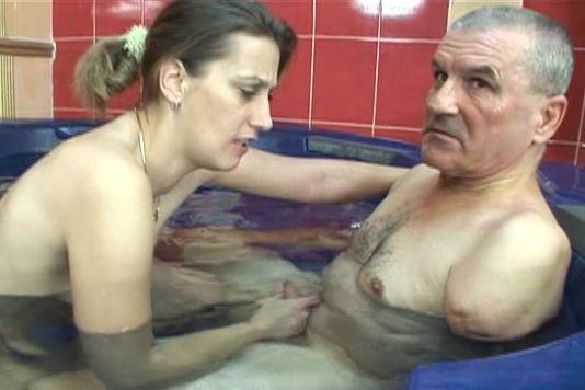 In and out of bathtub fucking - Old Man and Teen