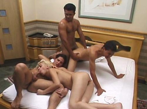 bigsinema-erotika-drevnie-voini-biseksuali