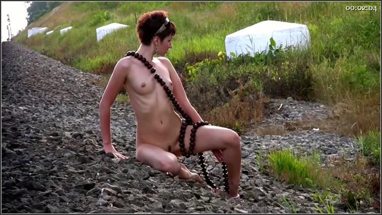 devushki-shatenki-golie-foto