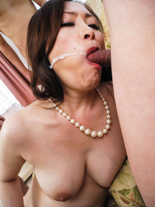 Asian mature cd gets bj and hj