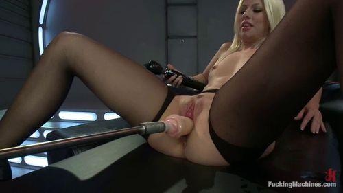 Sexy Vanessa The Fucking Machine Holed 1