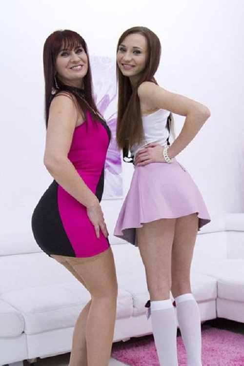 LegalPorno - Chelsea Sun, Vera Delight - Like daughter like mom SZ683 [HD 720p]