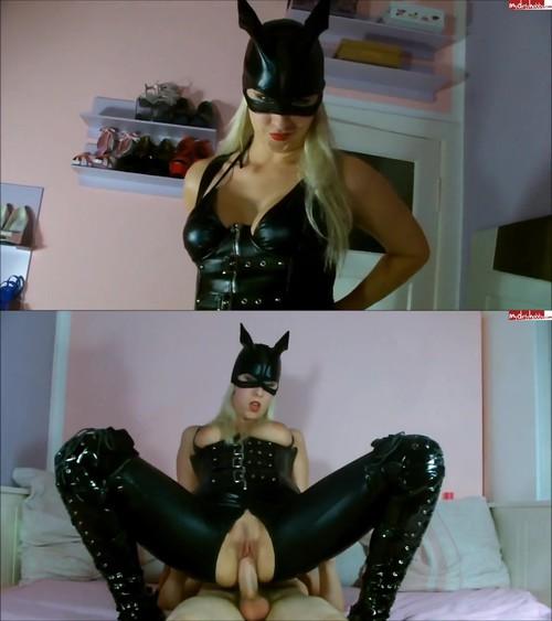 Sybella - Schwanzgeile Catwoman [HD 720p] (MDH)