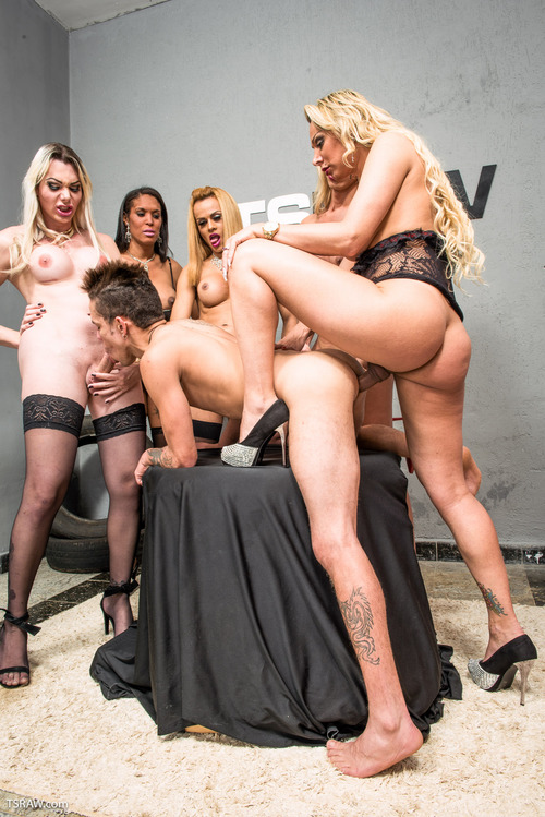Walkiria Drumond - Guy Gangbanged by Five TS Stars [HD 720p] (TSRaw)