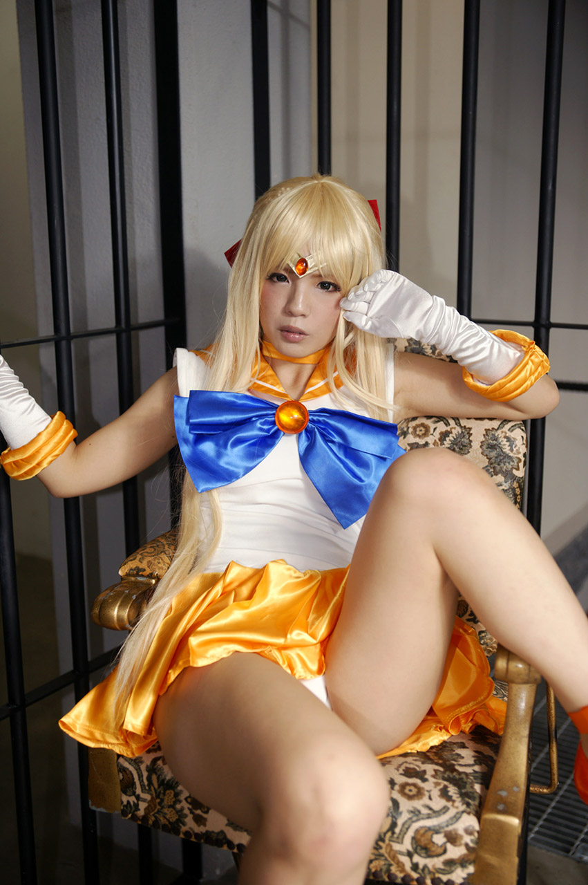 ayame kokoiro sexy sailormoon cosplay 02