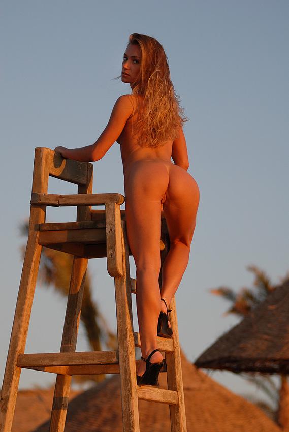 непокрытая юлия голая