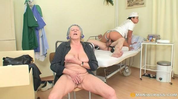 бабы трахают в психбольнице видео