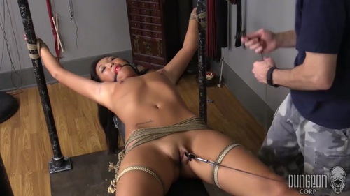 Black girl worships white dick