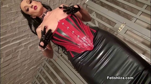 Rubber_slave_seduction