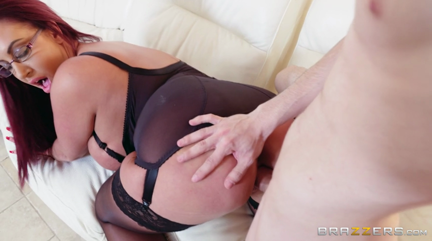 He seduce stepmom after wake up to fuck her anal 9