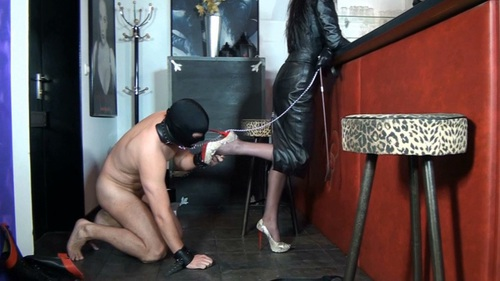 File name:  foot job with high heels 0009.wmv