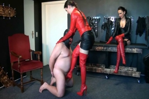 File name:  foot job with high heels 0010.wmv