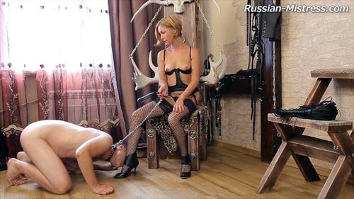 russkaya-domina-porno-roliki