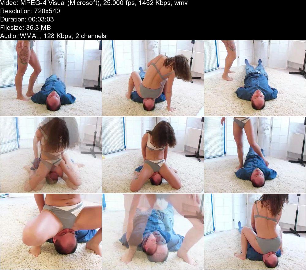 Gay man pissing technique