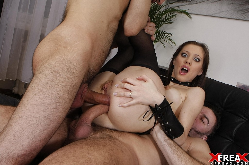 Download [DoubleAnalAction] Pornstar Aspen gets double anal action for the first time