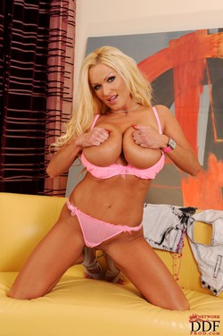 sharon pink freevideo z
