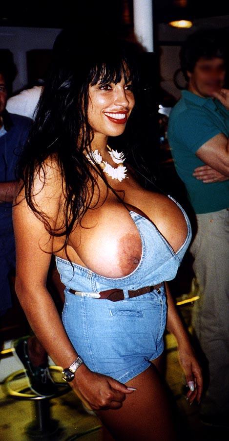 Angelique dos santos big boob bangeroo 2