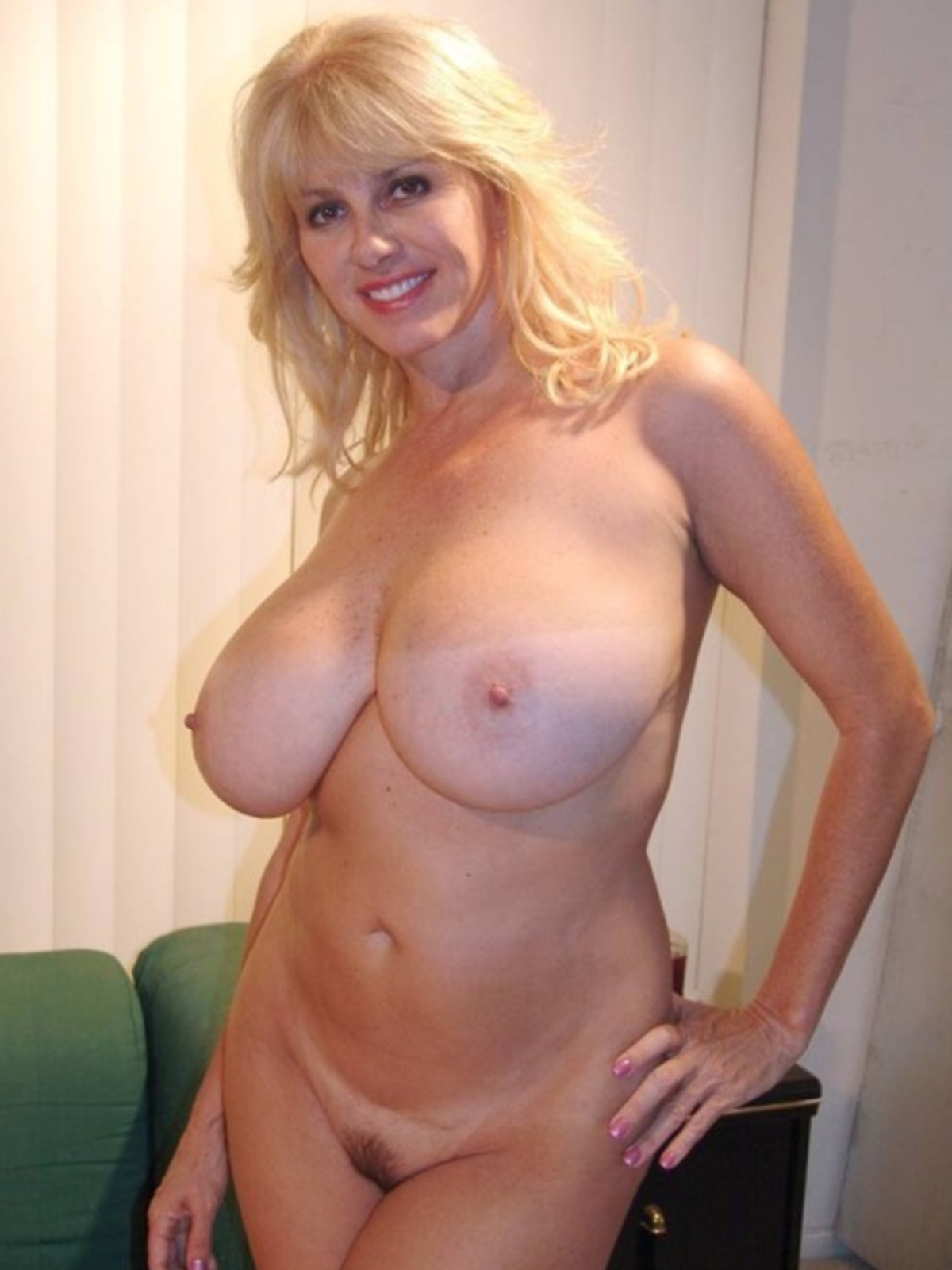 Фото зрелых жен голых 10 фотография