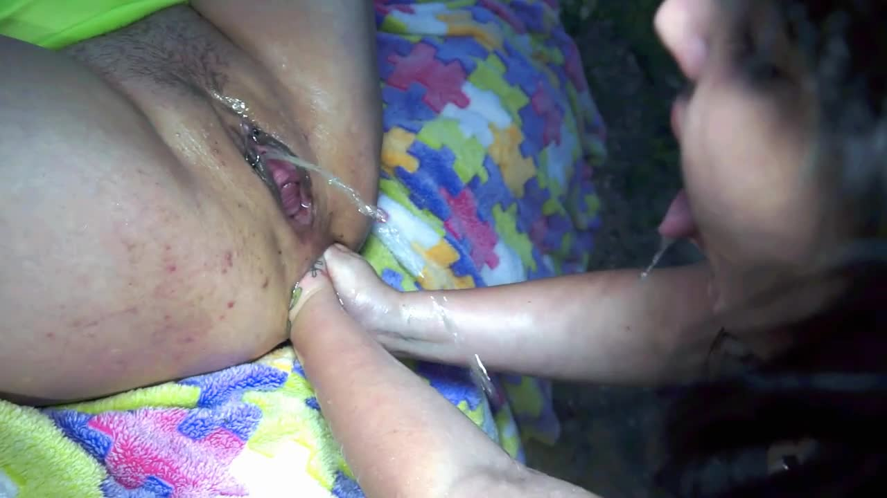 Bella Pepper Outdoor Double Vaginal Fisting, Double Anal Fisting