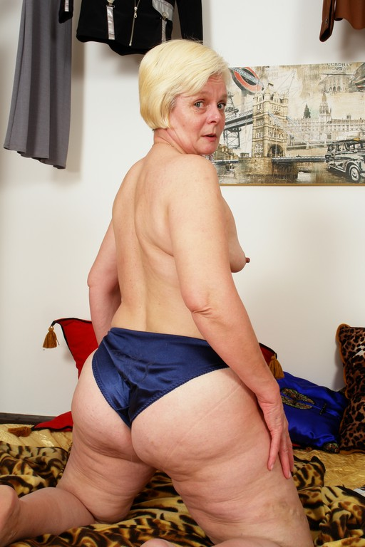 Marketa is a hot and horny old granny - Mature, MILFs