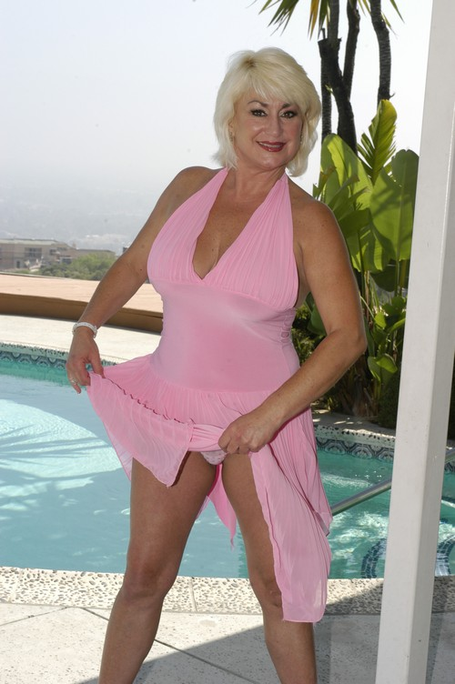 This is one of the World's hottest GRannies - Mature, MILFs