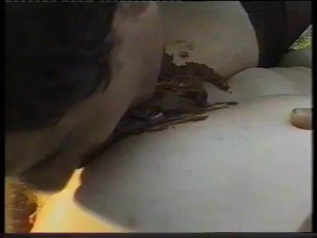 Scat Sex 394.mp4_snapshot_05.52__2015.06.29_14.11.27_,