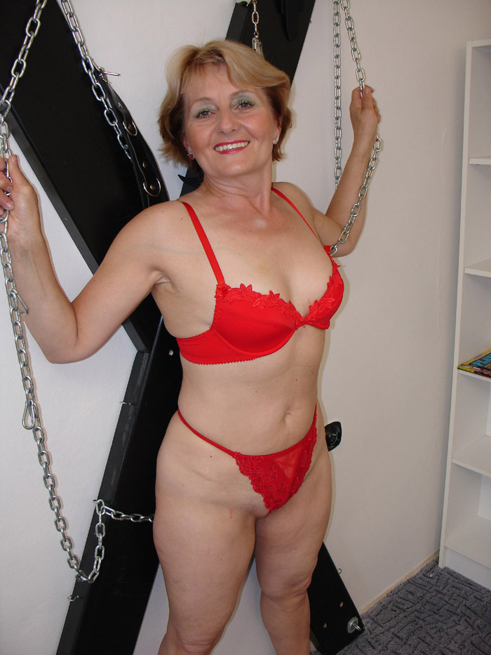 Marie's getting on in years - Mature, MILFs