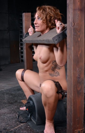 Toned Savannah Fox in stocks stuck on sybian