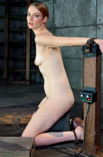 Classic beauty Ela Darling firmly belted onto
