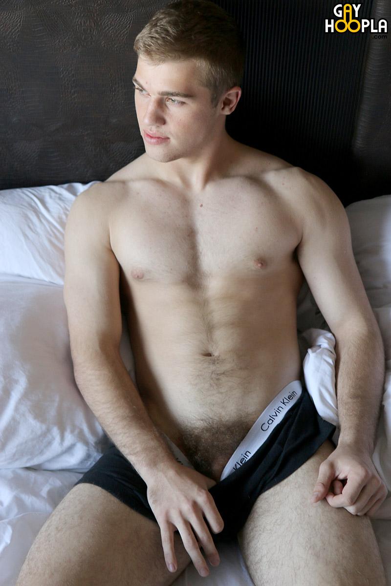 naturally hung naked men