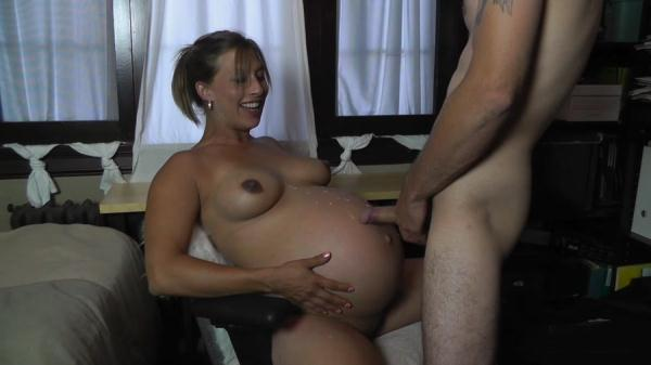 Candi - 2Blow your load on my HUGE belly