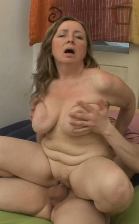 Mature mom anal sex