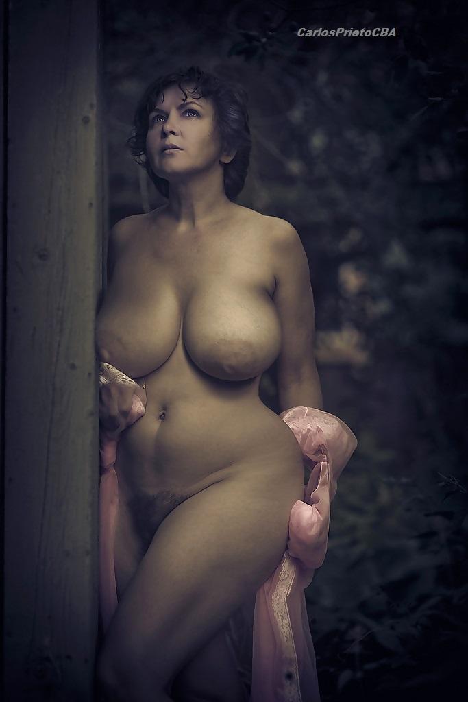 beauty matured women naked