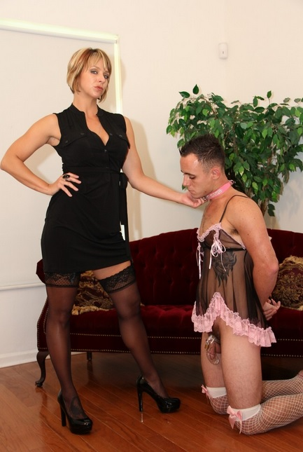 Carmen and Cali drench their slave in spit