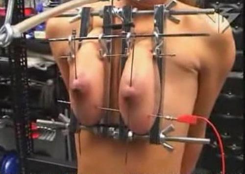 http://ist3-2.filesor.com/pimpandhost.com/1/_/_/_/1/3/d/Z/m/3dZm4/Torture%20Galaxy%20Hilde%2013%20BDSM_m.jpg