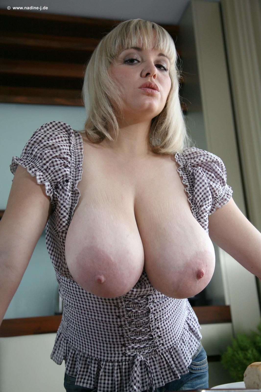 Висячая большая грудь фото