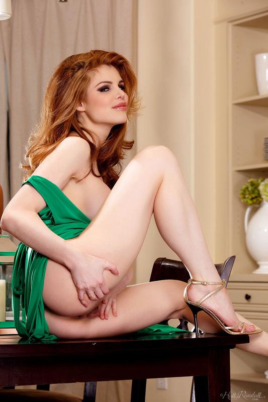 Зеленом сучку платье в
