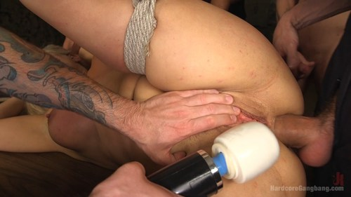 Free threesome porn clips for women