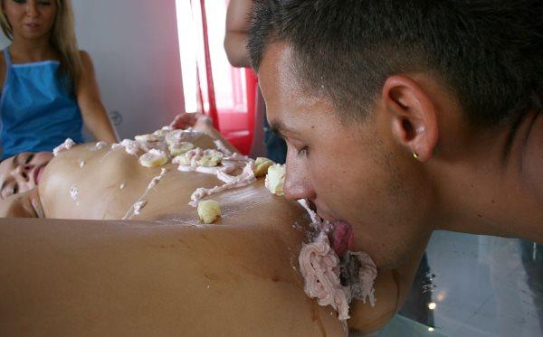 порно фото женщин в сбитых сливках