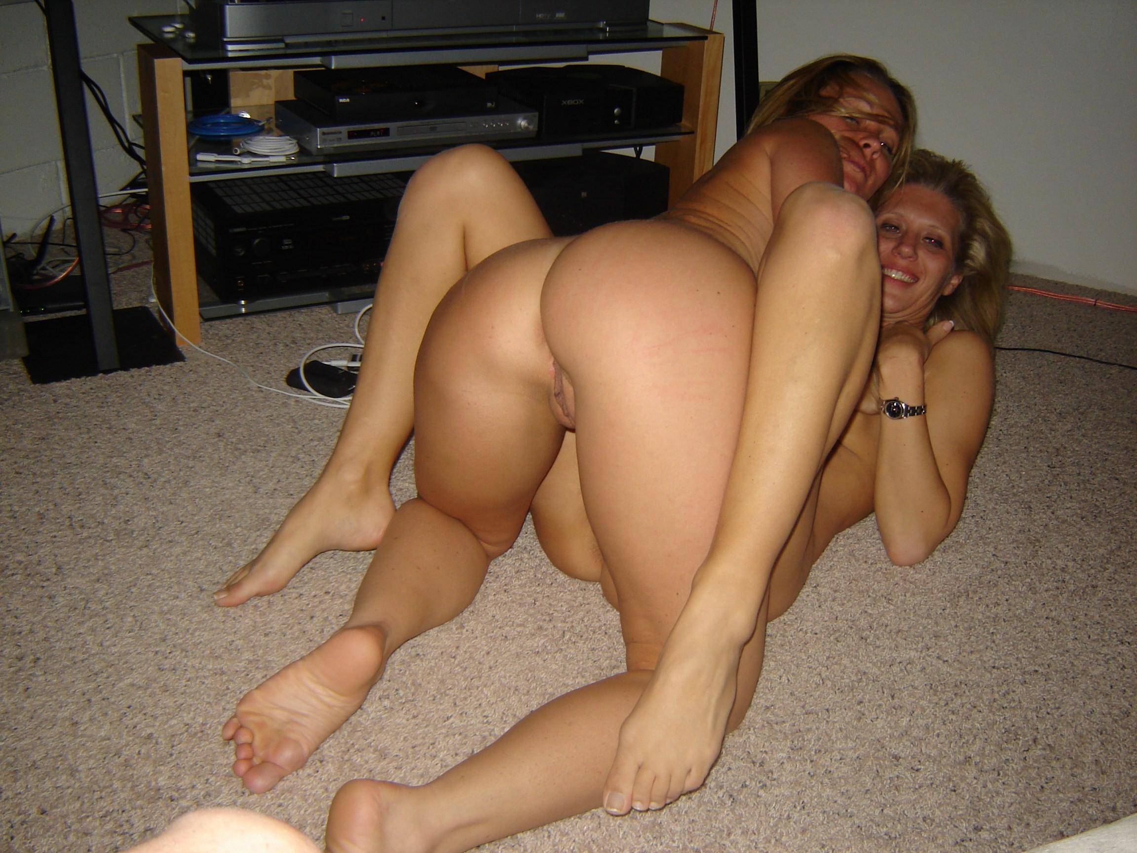 Частное порно с двумя телками 27 фотография