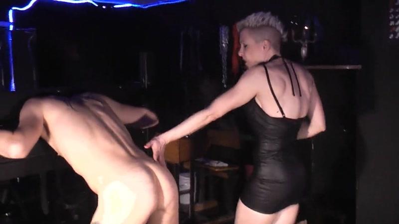 club sex dance rohrstockschläge