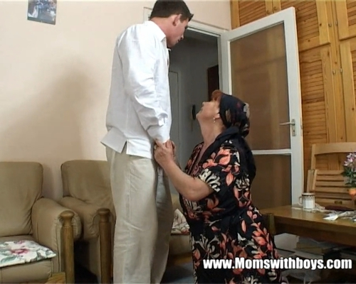 Mature lady rewards boy for cleaning 9
