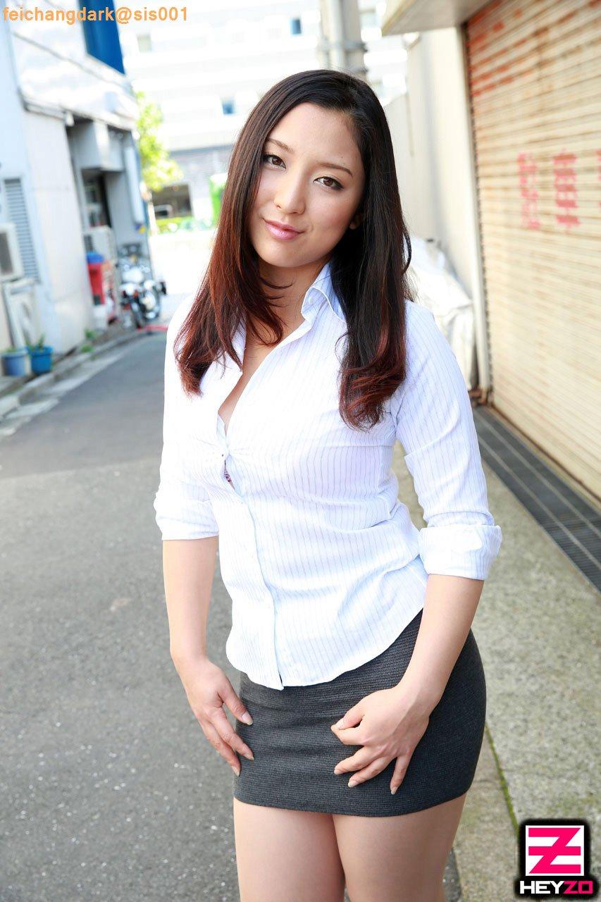 H罩杯巨乳少婦的精彩3P淫戲 - 本真ゆり
