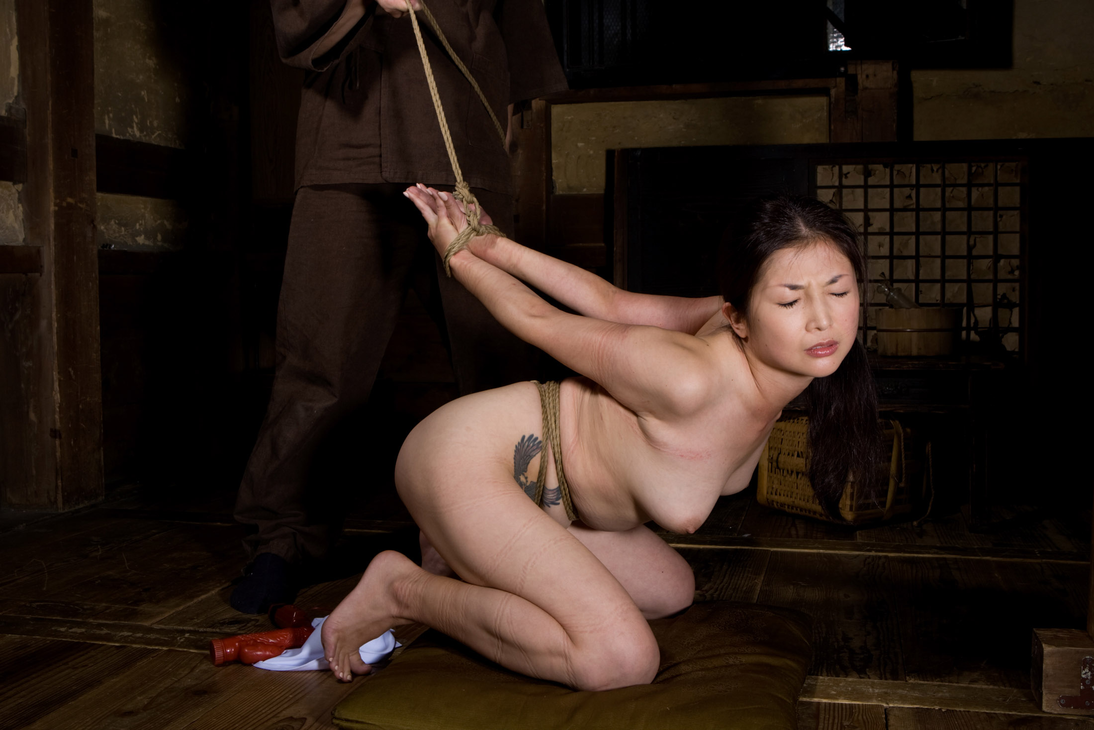 Watch Japanese Clamped Whipped On Cross